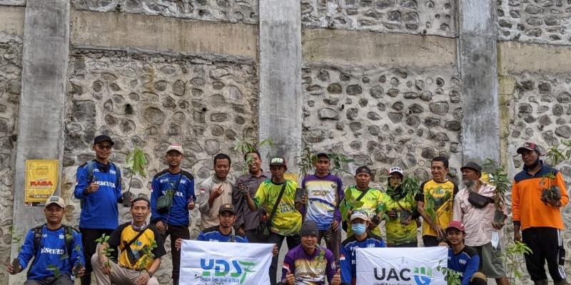 Hijaukan Indonesia Dalam Rangka World Cleanup Day 2021